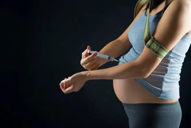 Graviditet og medicin misbrug